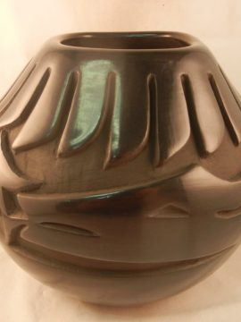 Santa Clara Black Polished and Etched Jar by Glenda Naranjo