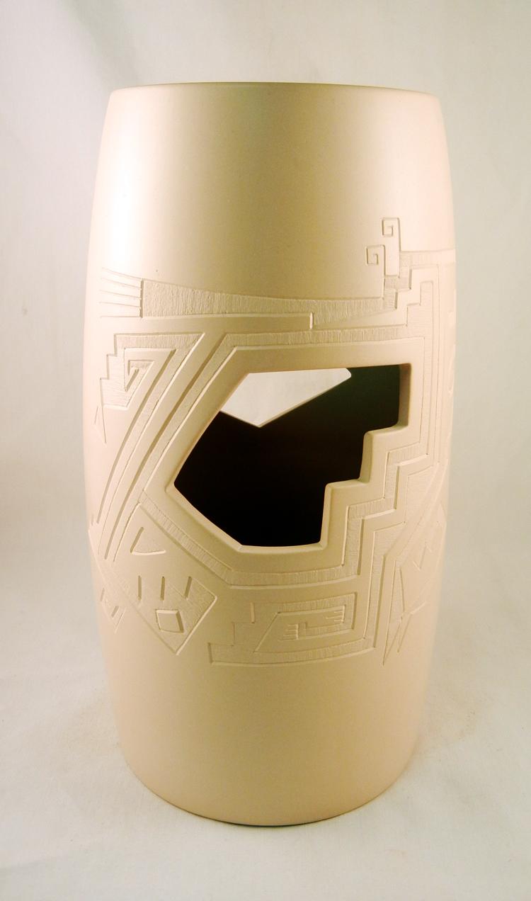 Mata Ortiz Luis Armando Rodriguez Mora White Cylinder