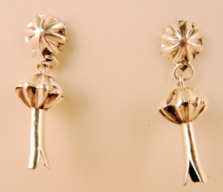 native-american-indian-jewelry-navajo-earrings-sterling-silver-squash-blossoms