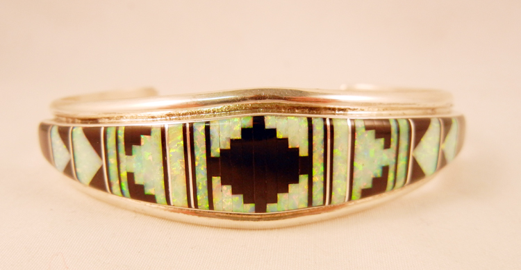 native-american-indian-jewelry-zuni-bracelet-mutli-stone-inlay-rug-pattern (1)