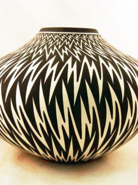 Acoma Paula Estevan Lightning Pattern Seed Pot
