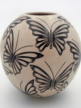 Mata Ortiz Cecy Bugarini Buff and Black Etched Butterfly Jar