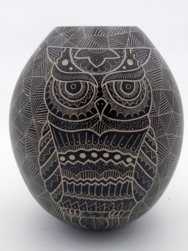 Mata Ortiz Heri Mora Etched Buff and Black Owl Jar