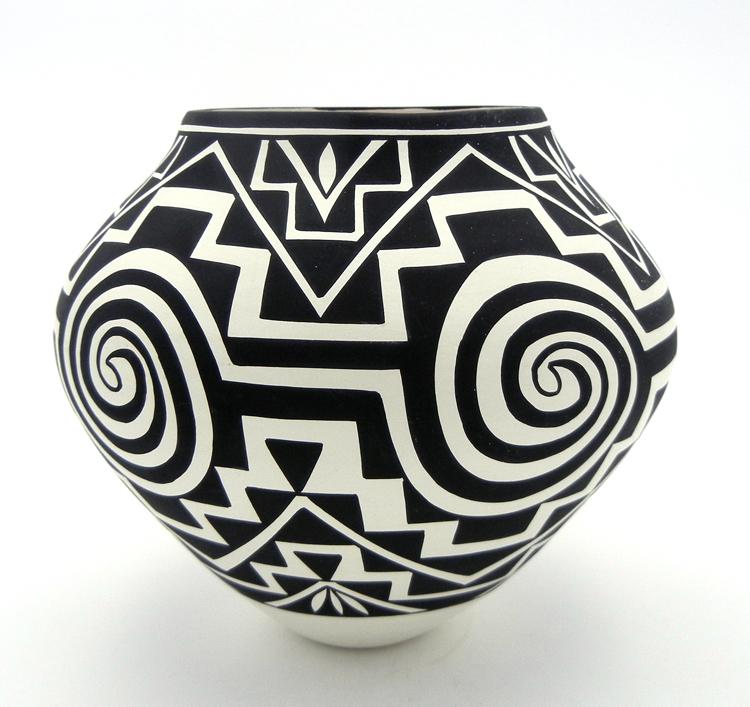 Acoma tularosa and step pattern jar by Kathy Victoino