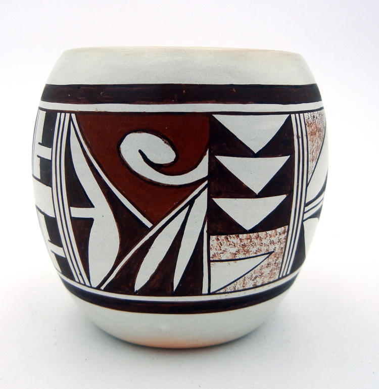 native-american-indian-pottery-hopi-frog-woman-small-jar (3)