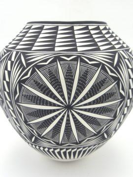 Acoma Kathy Victorino Black and White Fine Line and Starburst Design Jar