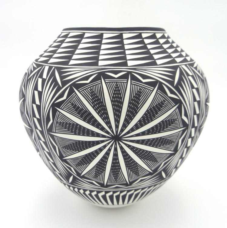 Acoma Kathy Victorino Black and White Fine Line and Starburst Design Jar