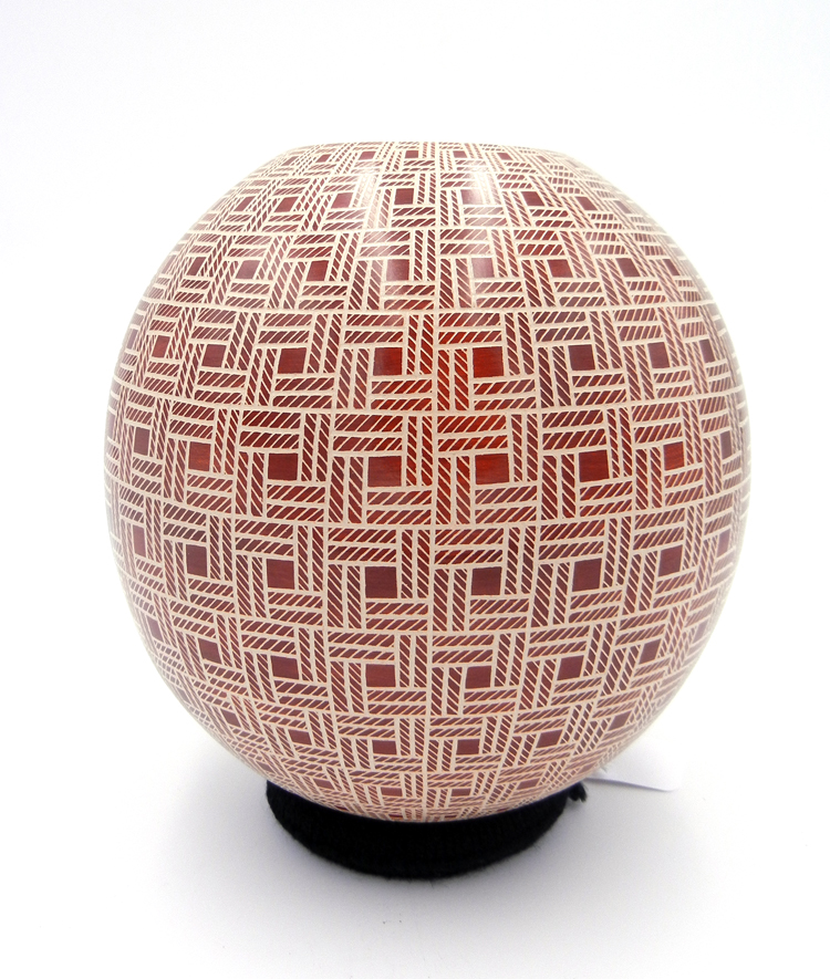 Mata Ortiz red and white etched checkerboard jar by Leonello Pezsaezn
