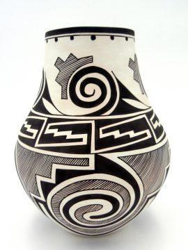 Laguna Myron Sarracino Black and White Tularosa Pattern Vase