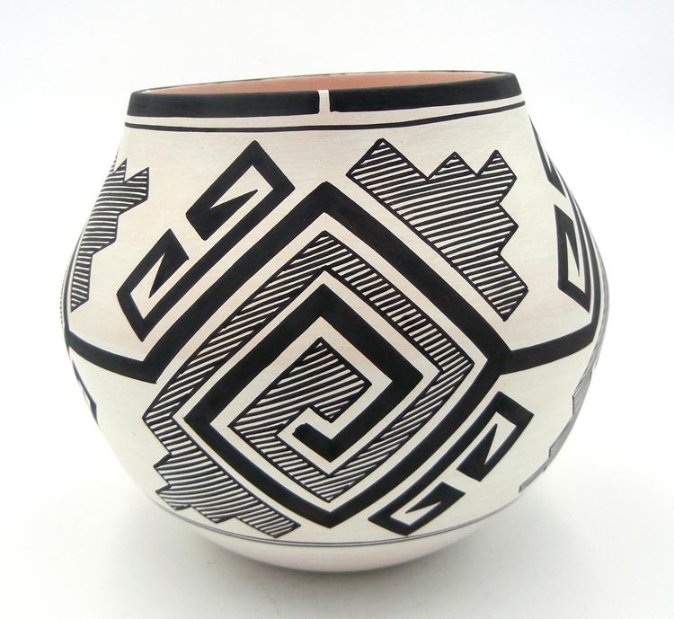 native-american-indian-pottery-laguna-myron-sarracino-tularosa-pattern-bowl (2)