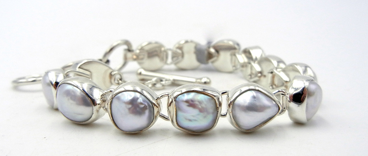 Navajo Pearl and Sterling Silver Link Bracelet