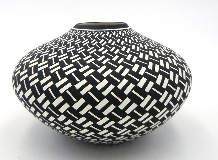 Acoma Paula Estevan handmade and hand painted eyedazzler seed pot