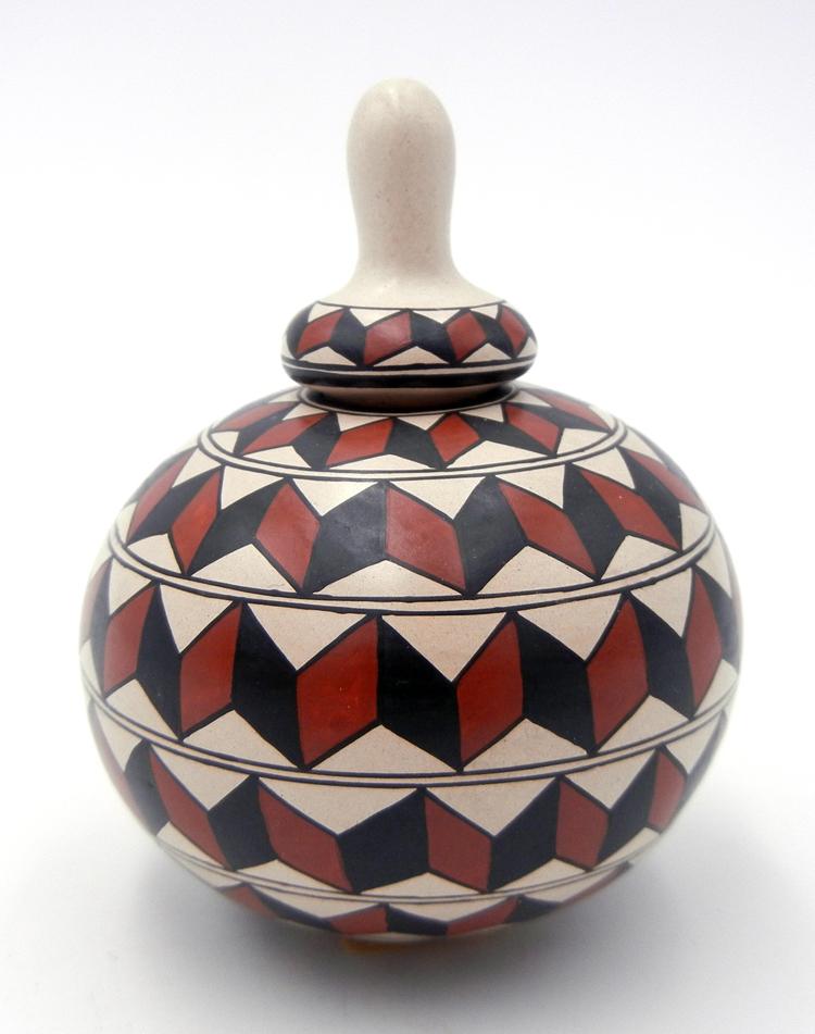 Mata Oritz polychrome small lidded jar by Oralia Lopez