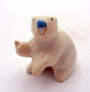 Zuni soap stone beaver fetish by Enrike Leekya