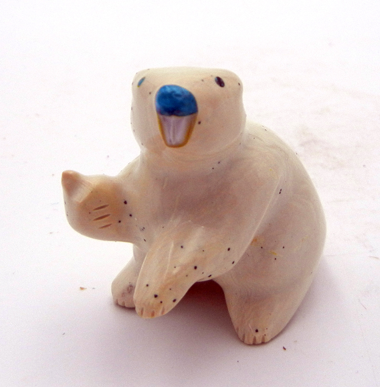 Zuni soap stone beaver fetish by Enrike Leekya