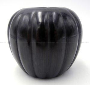 Santa Clara small black polished melon jar by Alvin Baca