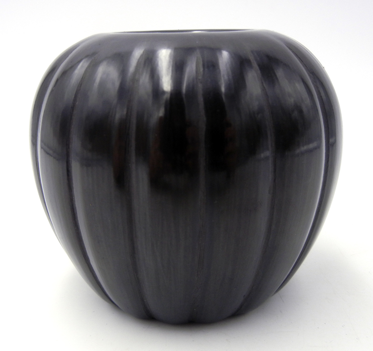 Santa Clara small black polished melon jar by Alvin Baca