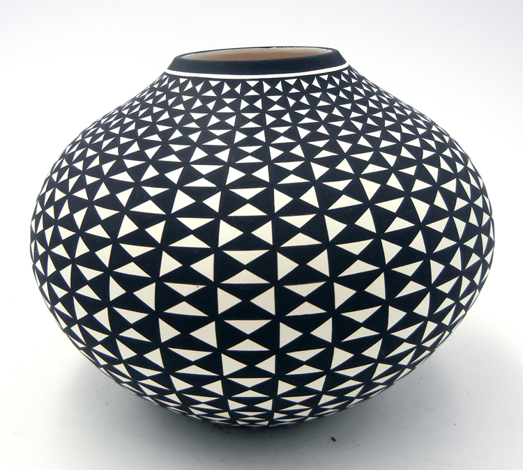 Acoma black and white mirrored eye-dazzler seed pot by Paula Estevan