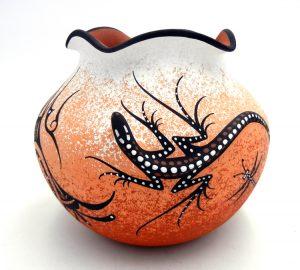Zuni Deldrick Cellicion Three Dimensional Lizard Bowl with Scalloped Rim