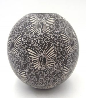 Mata Ortiz black and white etched butterfly jar by Cecy Bugarini