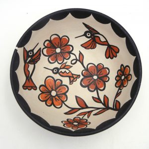Santo Domingo traditional polychrome bowl with hummingbird and flower designs by Billy Veale