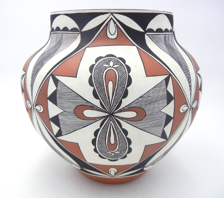Laguna handmade and hand painted traditional four direction and fine line olla by Lee Ann Cheromiah