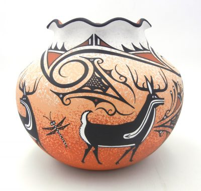 Zuni Deldrick Cellicion large deer jar with scalloped rim