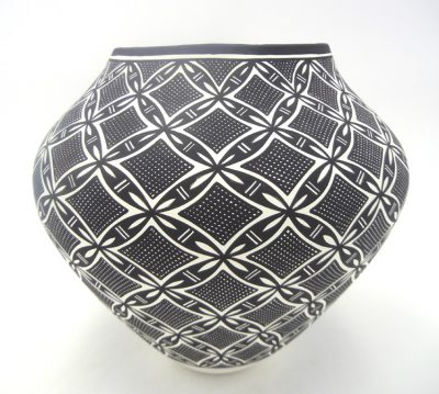Acoma black and white floral and fine line design jar by Kathy Victorino