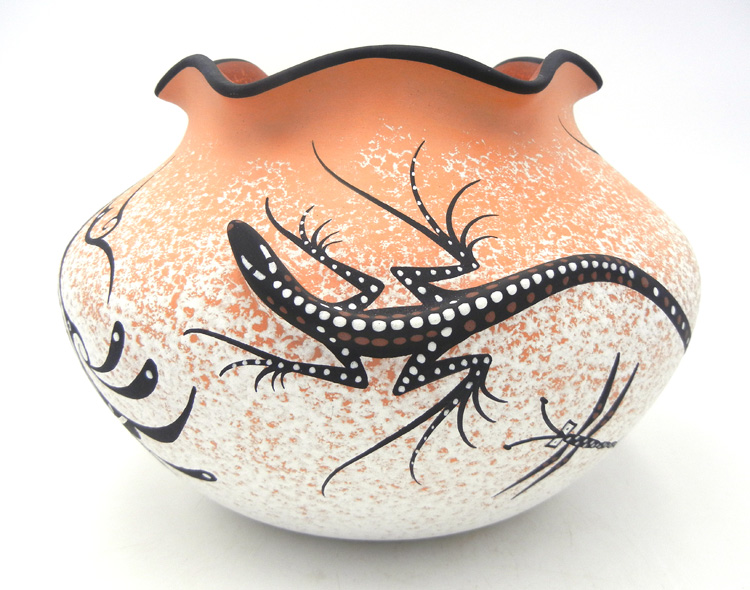 Zuni three dimensional lizard bowl with scalloped rim by Deldrick Cellicion