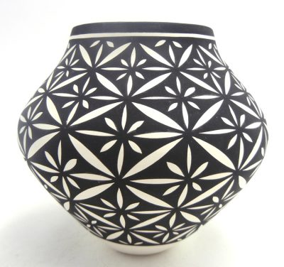 Acoma handmade and hand painted small floral design jar by Kathy Victorino