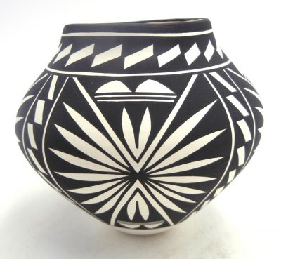 Acoma small black and white plant and weather design pattern jar by Kathy Victorino