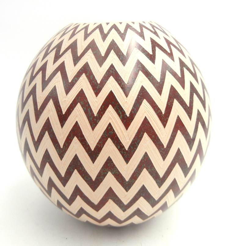 Mata Ortiz Buff and Red Handmade Chevron Jar
