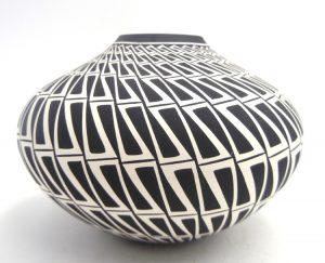 Acoma black and white eyedazzler design seed pot by Paula Estevan