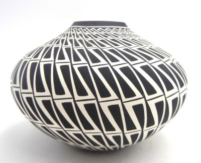 Acoma black and white eyedazzler design seed pot by Paula Estevan