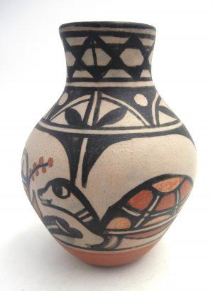 Santo Domingo handmade and hand painted turtle vase by Robert Tenorio