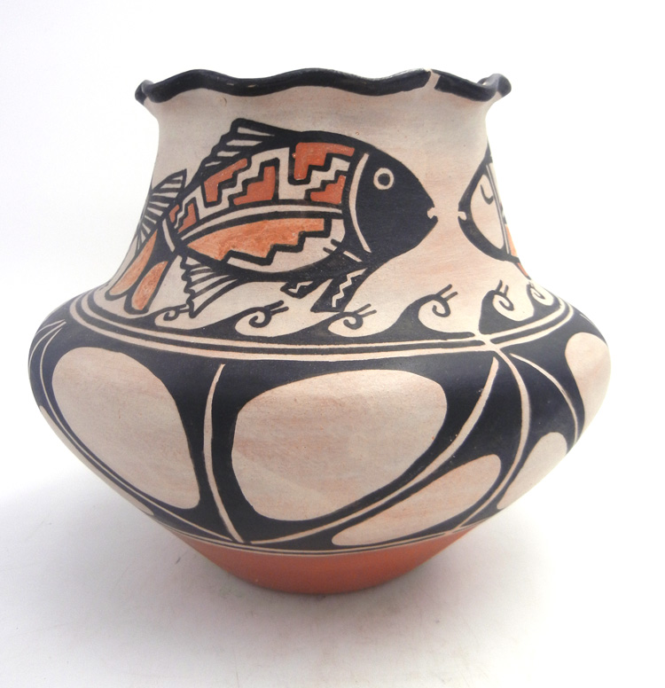 Santo Domingo KEWA Fish Vase by Robert Tenorio