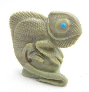 Zuni archaen butterstone chameleon stone fetish by Hudson Sandy