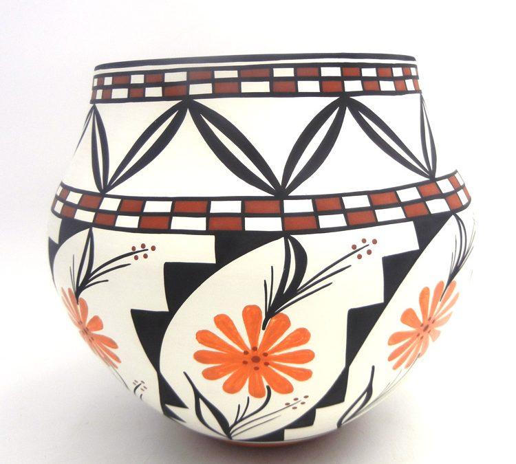 What Makes Acoma Pottery So Unique