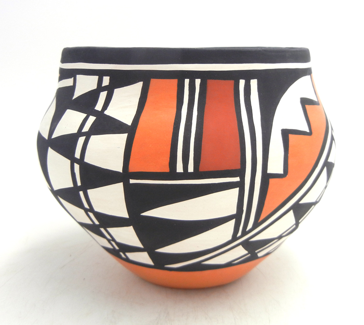 Acoma handmade and hand painted traditional jar by Loretta Joe