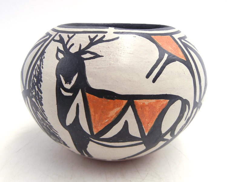 Santo Domingo handmade and hand painted deer and floral design bowl by Robert Tenorio