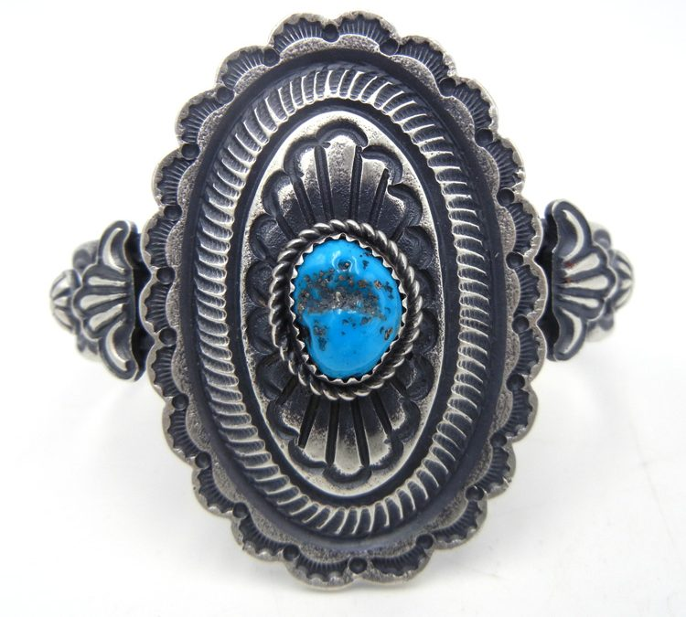 The Differences Between Navajo, Zuni, Hopi, and Santo Domingo Jewelry Styles