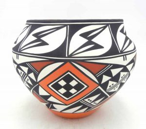 Acoma large polychrome handmade and hand painted jar by Loretta Joe