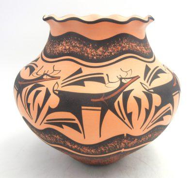 Zuni deer with heartline jar with scalloped rim by Anderson Peynetsa