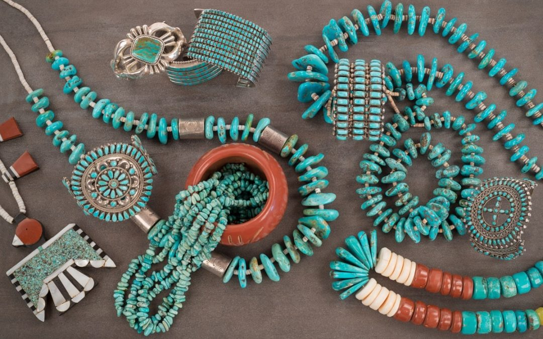 Native American Jewelry – Design Differences Between Navajo and Santo Domingo Styles