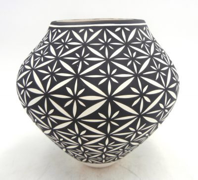 Acoma handmade and hand painted black and white floral design jar by Kathy Victorino