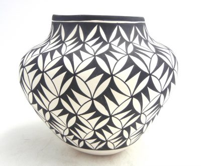 Acoma handmade and hand painted black and white weather pattern jar by Beverly Garcia
