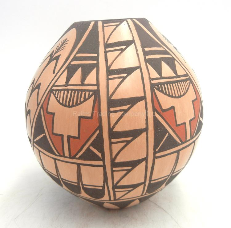Jemez handmade and hand painted and polished jar by Juanita Fragua