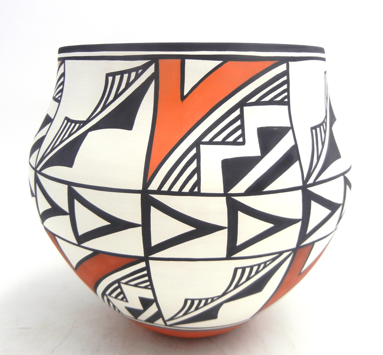 Acoma large handmade and hand painted weather pattern jar by David Antonio