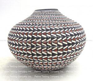 Acoma handmade and hand painted polychrome eyedazzler design jar by Paula Estevan